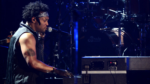 D angelo on bet awards binary options exponential moving average rainbow strategy for greatest