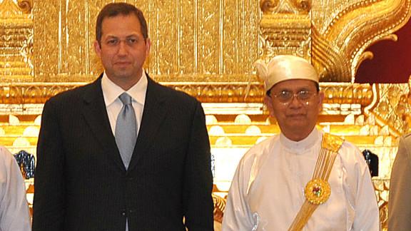 U.S. coordinator for policy on Myanmar, Derek Mitchell (left) pictured with Myanmar President Thein Sein.