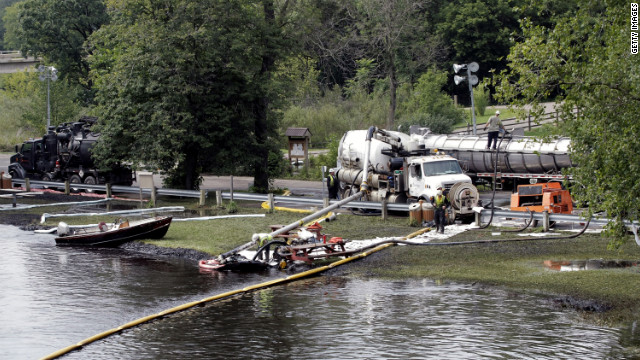 A  federal agency said the operator of an oil pipeline that cracked in Michigan in 2010 failed to take appropriate action.