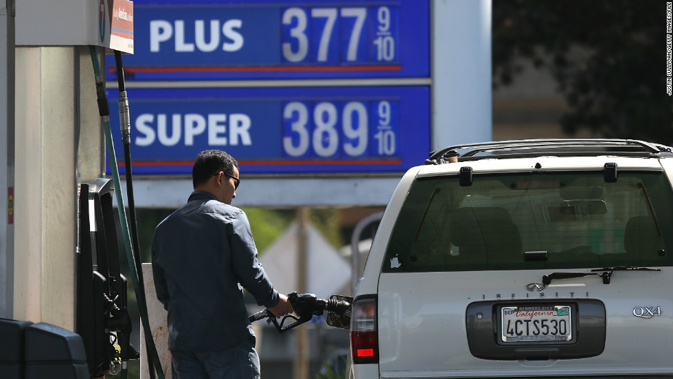 Gas prices drop again as the holidays approach, auto