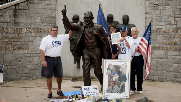 The Paterno statue continued to draw visitors Saturday, a day before it was removed from the stadium.
