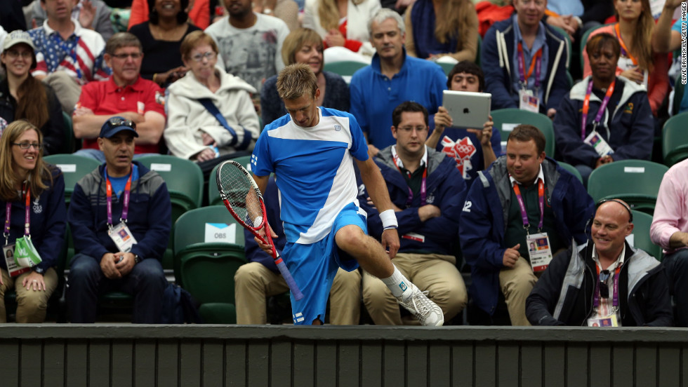Jarkko Nieminen of Finland decided to make a bit of an early exit in his match with world No. 4 Andy Murray. He ended up in the well in front of the spectators as he tried to rescue a shot against the Wimbledon finalist.
