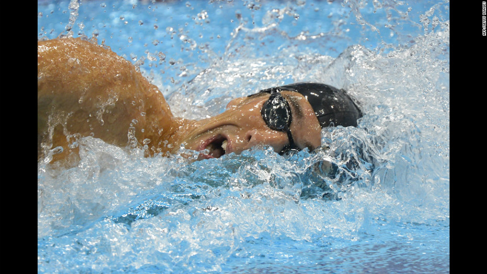 American Michael Phelps competes in the men's 4x200-meter freestyle relay final.
