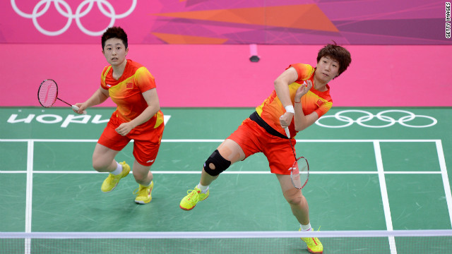 Badminton players booted from Games