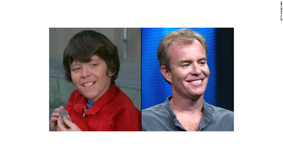 "Mike Lookinland, 55, played Bobby Brady on the sitcom. He later took a seat on the other side of the camera, working on The WB's ""Everwood"" and the ""Halloween"" franchise, and then after 20 years in film <a href=""http://www.finehomebuilding.com/item/31824/child-tv-star-now-makes-concrete-countertops"" target=""_blank"">moved on to making concrete countertops</a>. Lookinland says he's been sober since his drunk driving <a href=""http://www.people.com/people/archive/article/0,,20130034,00.html"" target=""_blank"">incident in 1997</a>."