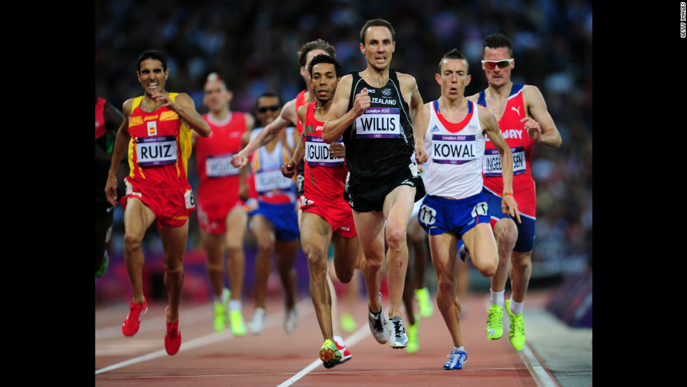 Nicholas Willis of New Zealand and Yoann Kowal of France compete in the men's 1500-meter round 1 heats at Olympic Stadium in London.