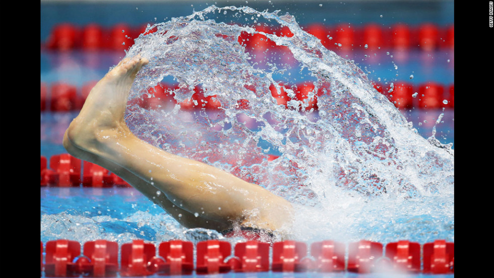 Daniel Fogg of Great Britain makes a turn in the men's 1,500-meter freestyle.