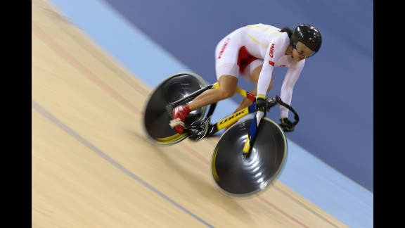 Shuang Guo of China competes during the women