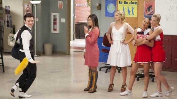 High-schooler Kurt shows off for the girls on Fox