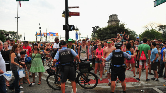 Fans were evacuated from Grant Park due to an approaching storm during 2012 Lollapalooza.