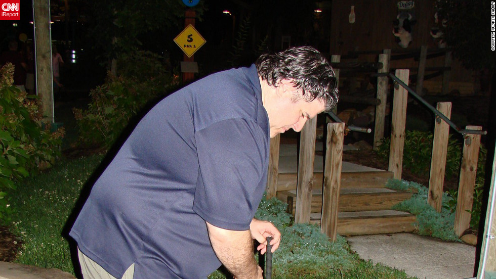 Rucker plays mini golf during a fateful trip to Gatlinburg, Tennessee, in 2010. He was unable to join his daughter on any of the rides at Dollywood.