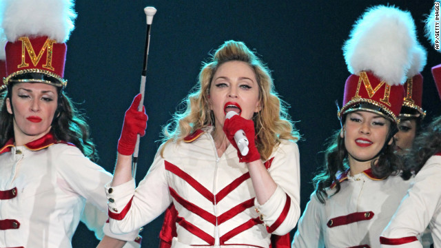 Madonna calls for Pussy Riot's release