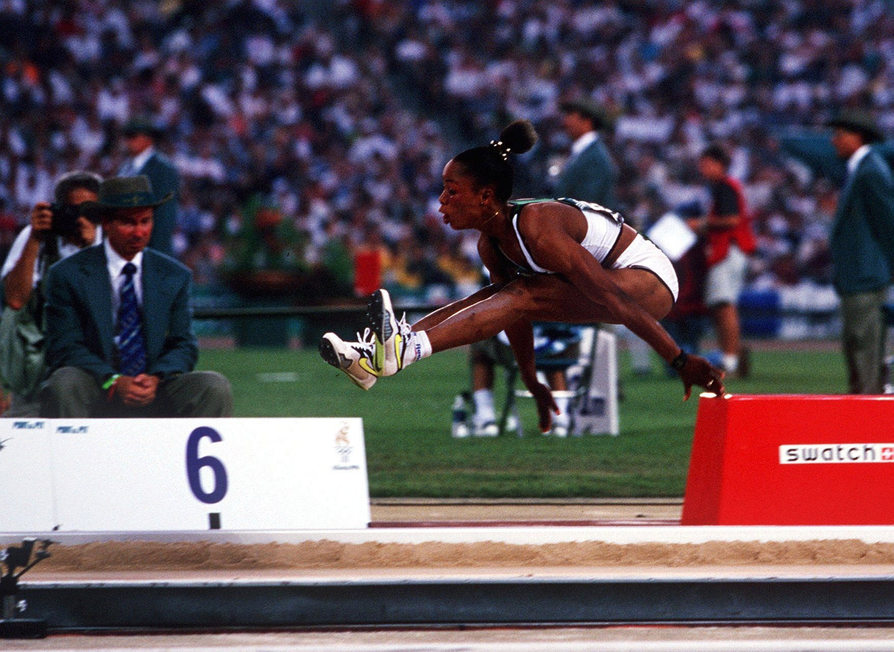 Chioma Ajunwa leaps to Olympic glory after drugs ban