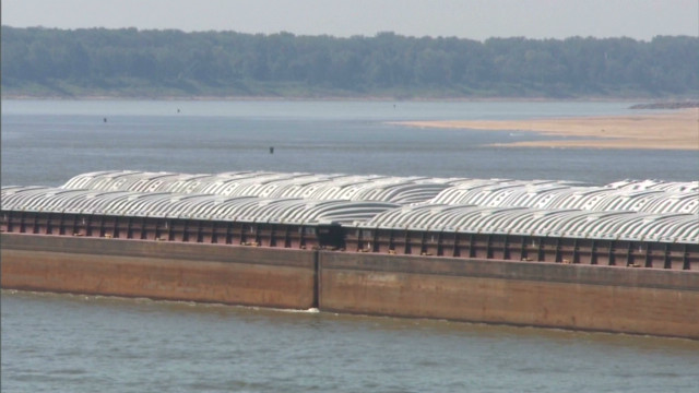 Drought shrinks mighty Mississippi