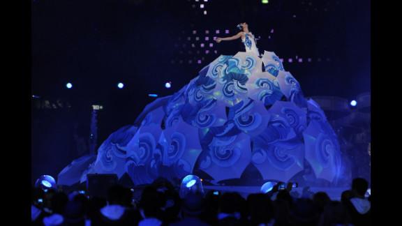 Singer Marisa Monte performs as Rio de Janeiro, the next host city, makes its presentation.