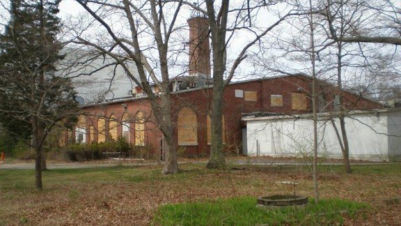 Inman's campaign raised more than $1.3 million to buy the site of Tesla's former Wardenclyffe laboratory in Shoreham, New York, on the north coast of Long Island.