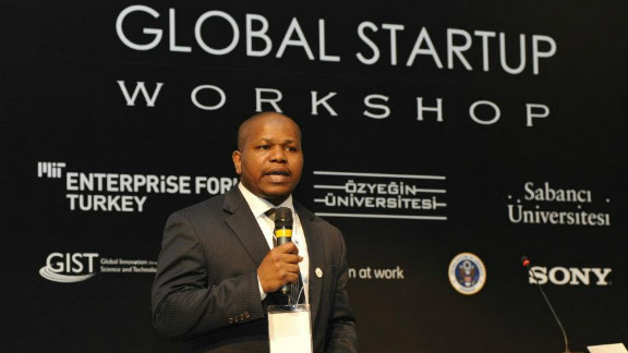 Idris Ayodeji Bello is the co-founder of the Wennovation Hub, a Lagos-based initiative dedicated to helping entrepreneurs develop their ideas.