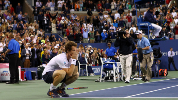 Andy Murray of Great Britain celebrates after defeating Novak Djokovic of Serbia in the men