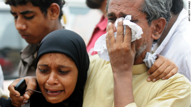 Pakistan factory fire kills hundreds