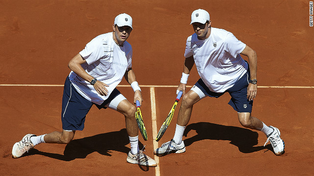 The Bryan brothers recorded their 20th victory in Davis Cup competition in Gijon on Saturday
