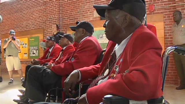 Tuskegee Airmen receive rousing welcome