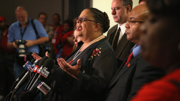 Chicago Teachers Union President Karen Lewis announces a tentative agreement on Friday, September 14, that could have ended the strike. After extensive debate, the delegates said they wanted more time to discuss the contract with union members.