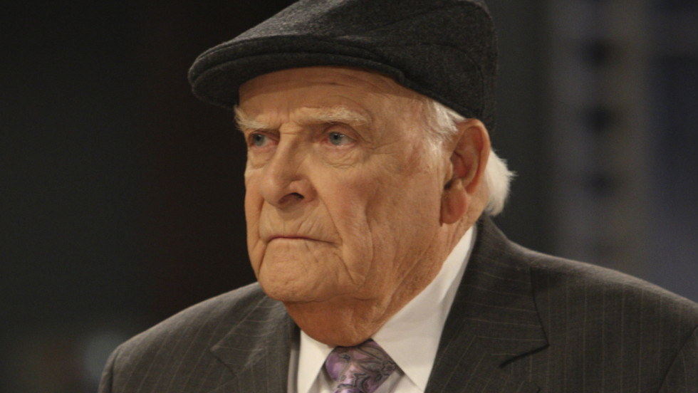 "Actor <a href=""http://www.cnn.com/2012/09/17/showbiz/general-hospital-actor-obit/index.html"">John Ingle</a>, who played patriarch Edward Quartermaine on ABC's ""General Hospital,"" died September 15 at age 84."