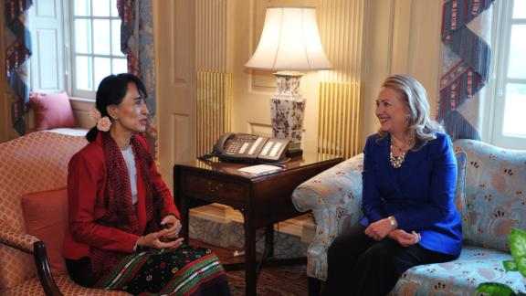 Suu Kyi meets with Secretary of State Hillary Clinton on Tuesday, September 18, in Clinton