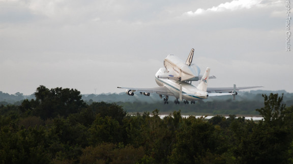 Onlookers shared their best photos of space shuttle Endeavour