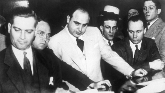 """According to Sullivan, Capone played with stakes of $500 a hole and often played with fellow gangsters """"Machine Gun"""" Jack McGurn, Fred """"The Killer"""" Burke and Jake """"Greasy Thumb"""" Guzik."""