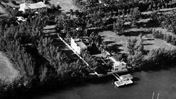 Capone lived a life of luxury in Miami. He bought the 36,000-square-feet island property at 93 Palm Avenue for a measly $40,000 in 1928. After recent renovations, it is now worth an estimated $9.95 million.