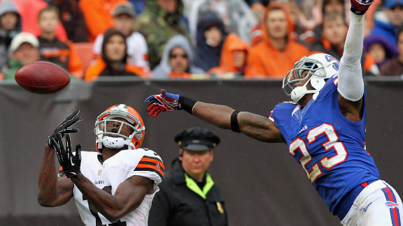 Aaron Williams of Buffalo breaks up a pass intended for Cleveland