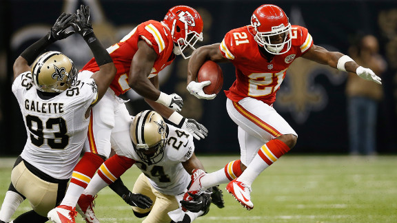 Javier Arenas of the Kansas City Chiefs avoids a tackle during Sunday