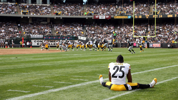 Ryan Clark of the Pittsburgh Steelers watches Sunday