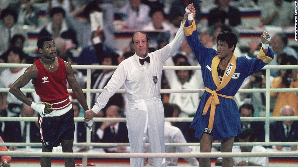 American boxer Roy Jones Jr. dominated his South Korean opponent in the gold-medal match at the 1988 Seoul Olympics, only to see Park Si-Hun handed the decision.