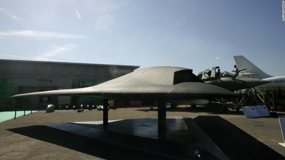 A Model Of The European QuotNeuronquot UAV At Paris Air Show