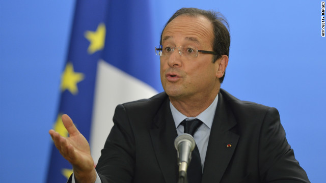 French President Francois Hollande gives a press conference at the UN building on September 26,2012.