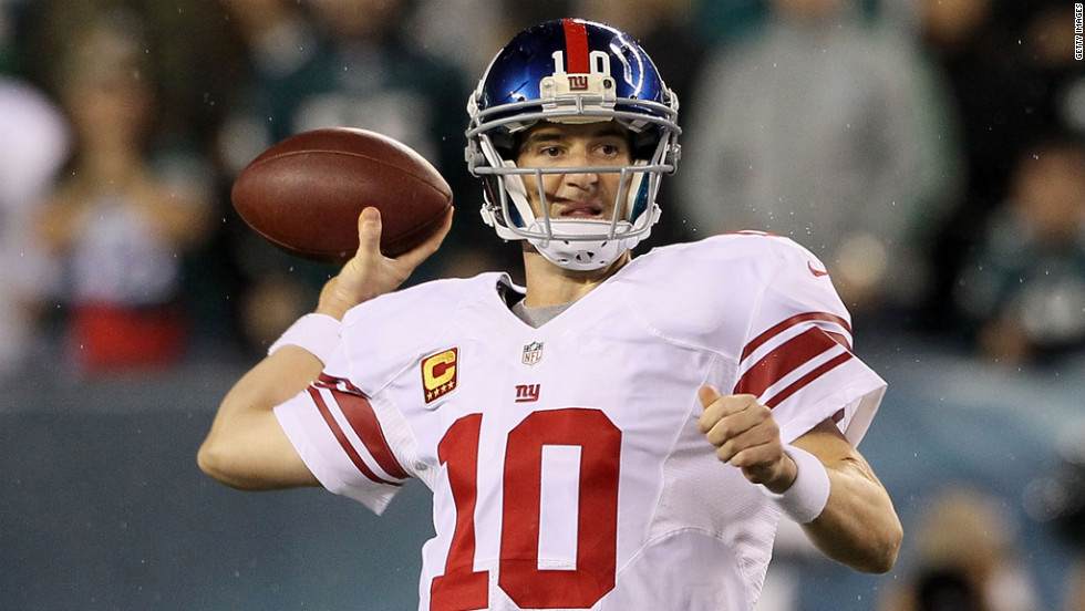 New York Giants quarterback Eli Manning drops back to pass on Sunday.