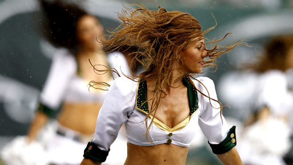 The New York Jets Flight Crew performs during the game against the San Francisco 49ers on Sunday.