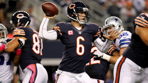 Bears' quarterback Jay Cutler throws a pass on Monday in the first half.