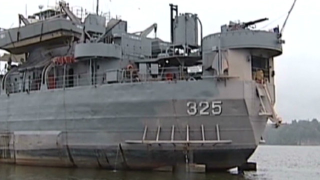 WWII ship stuck in Kentucky lake_00001716