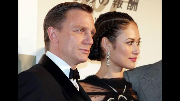 "Daniel Craig and Olga Kurylenko attend the Japanese premier of ""Quantum of Solace"" in November 2008 in Tokyo, Japan."