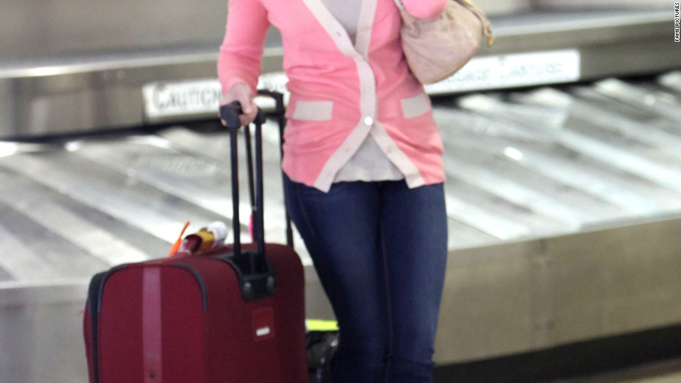 Katherine Heigl arrives at the airport.