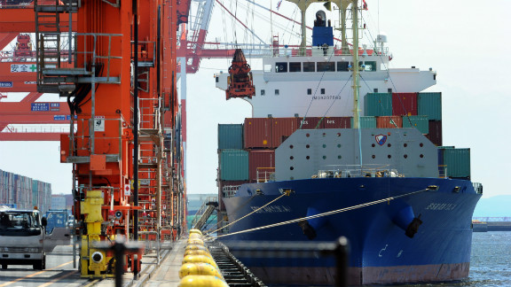 Today, around 90% of world trade is currently carried by the shipping industry, contributing to 4% of global carbon emissions.