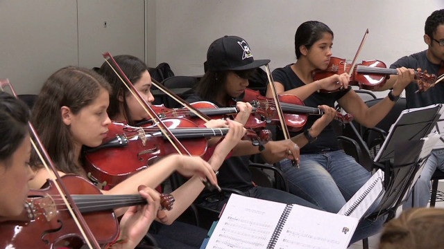 Taking classical music to Brazil's slums