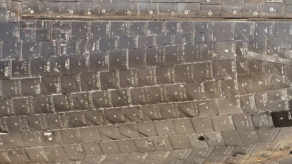 A detail of the tiles on the underside of Endeavour as it arrives at the Forum.