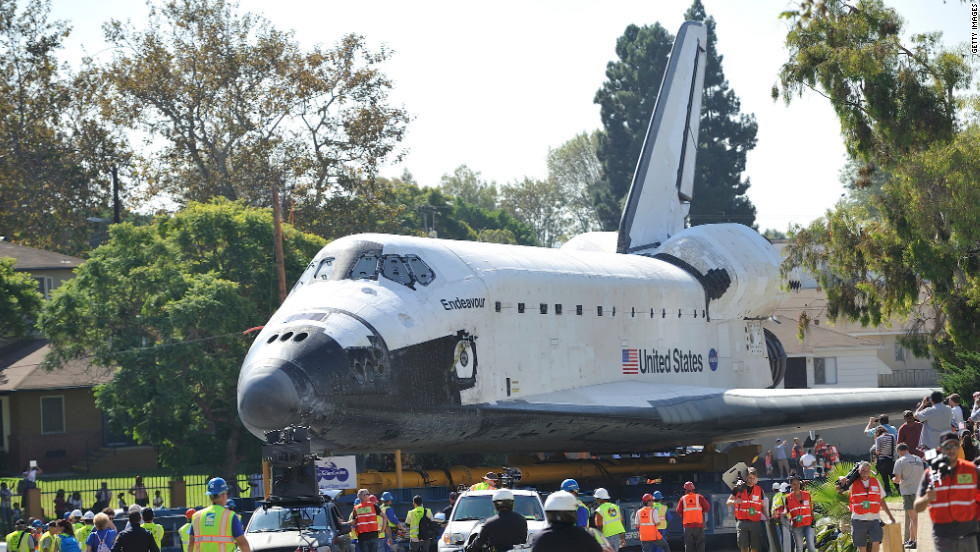 Endeavour creeps down Crenshaw Drive.