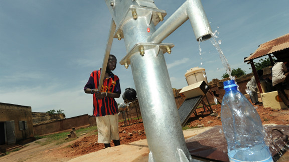 Water-borne diseases such as diarrhea are among the biggest killers of malnourished and vulnerable children. The IRC is repairing and rehabilitating water, sanitation, and waste management systems at six Malian health centers that serve thousands of people weekly.