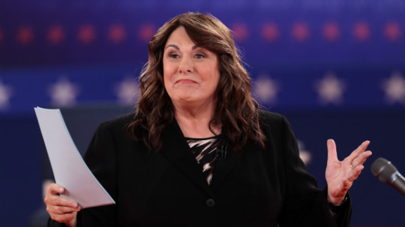 Moderator Candy Crowley of CNN speaks to the audience prior to the start of a town hall-style presidential debate.