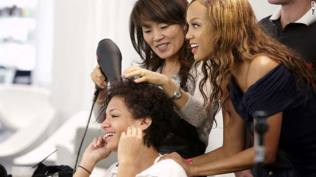 "Tyra Banks talks to one of the models on the 19h cycle of ""America's Next Top Model."""